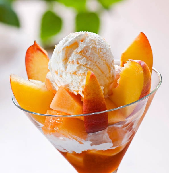 Ice Cream Sundae with Fresh Peaches